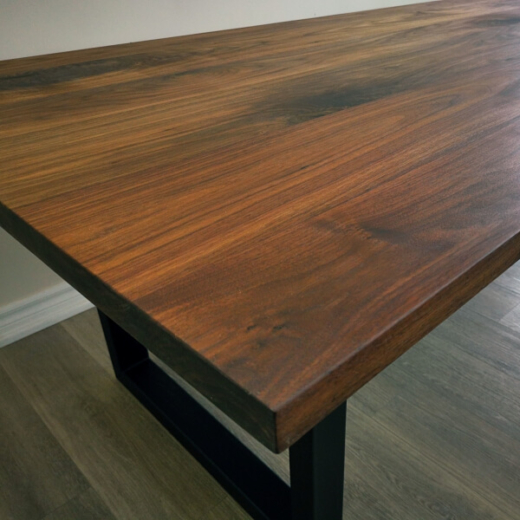 Straight-Edge-Dining-Table