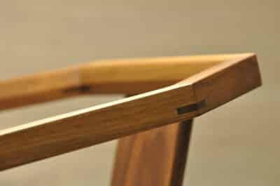 木質餐椅細節